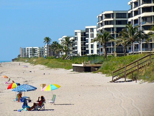 Lake Worth Municipal Beach. Lake Worth, this location leads you to the popular Lake Osborne.