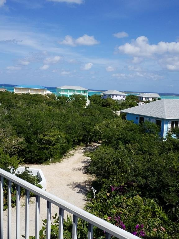 Harbor Breeze Villas. Located on the beachfront in Clarence Town, Harbor Breeze Villas features a private beach area. This 5-star resort has air-conditioned rooms with a private bathroom. Guests can enjoy sea views.