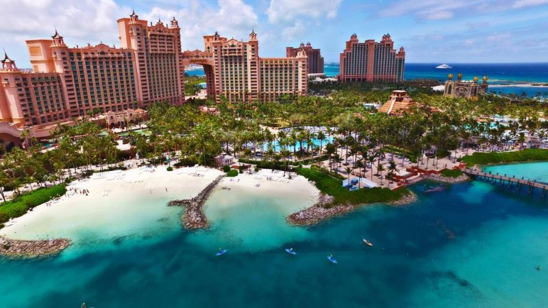 The Royal at Atlantis, Bagamas. There is plenty to see and do. Water park, dolphin cay experience, pools, beach, aquariams (there is heaps) and during the evening the resort has a cinema showing all new releases, casino, restaurants and bars and games rooms.