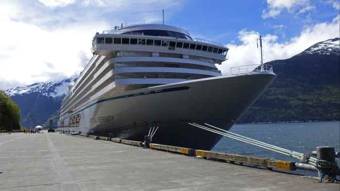 Alaska cruises are a popular choice for many traveling