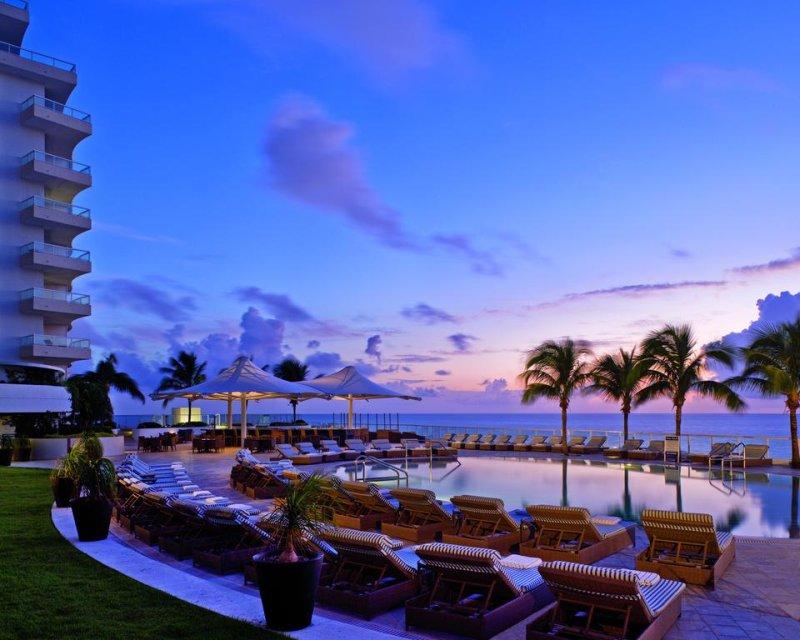 Guests at The Ritz-Carlton, Fort Lauderdale have access a spa with a hair and nail salon, relaxation room, and fitness center with water views.