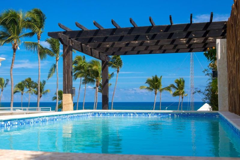 Offering an outdoor pool, Chateau Del Mar Ocean Villa is located in Bávaro. A beautiful view of the ocean