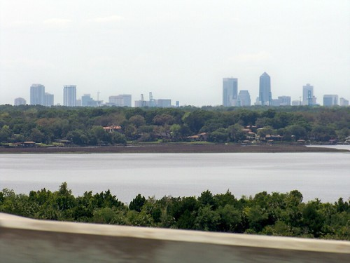 Jacksonville, FL, Johns River. The first major city in Florida on I-95 across the boarder from Georgia is Jacksonville.