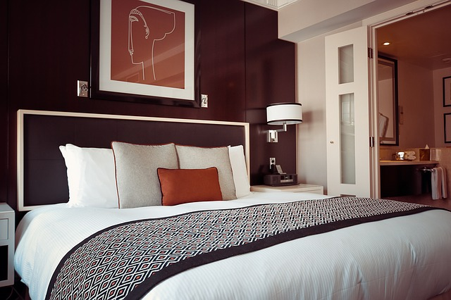 Hotel Rooms. Other important services to keep an eye on are the shuttle services of the hotel to the city, laundry services, quality of concierge, and airport transfers. #hotels