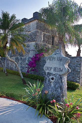 Upon leaving your Florida family hotels, please make sure you tap Homestead, Florida, into your GPS systems. Here, there exists a crazy labour of love that took 28 years to create – Coral Castle.