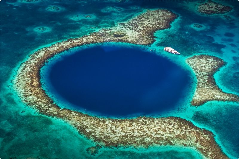 Belize itself is situated on the Caribbean coast. It is bordered by Mexico in the north, Guatemala to the south and west and the Caribbean on the east.