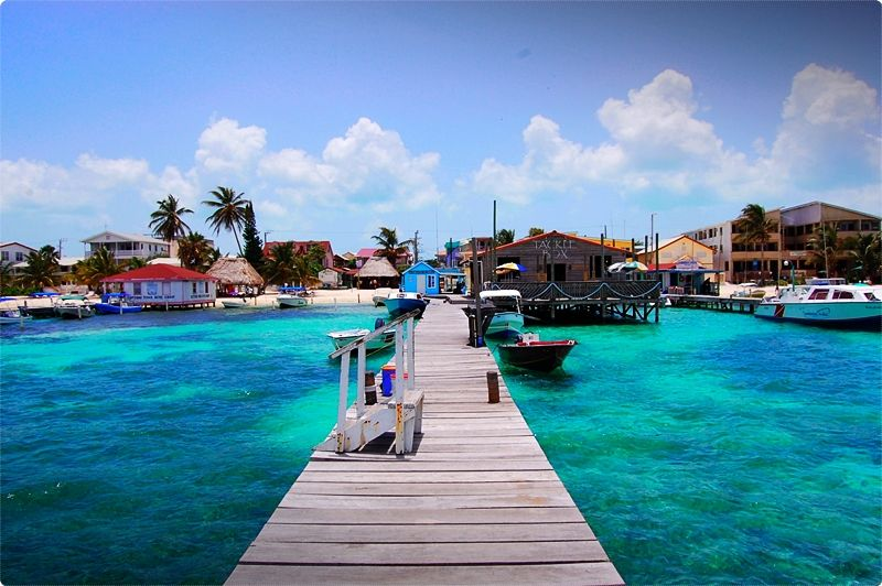 Ambergris Caye is the most popular spot in Belize for scuba diving. It offers a variety of diving such as reefs, walls, blue holes and more.