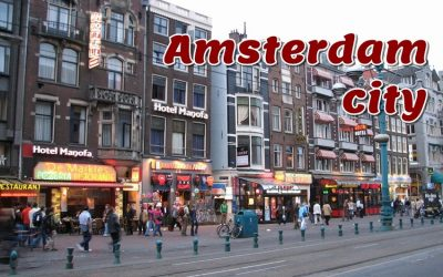 Amsterdam art. In recent years there were 140 festivals in Amsterdam. The most famous festivals are Koninginnedag (Queen's Day), and the Uitmarkt.