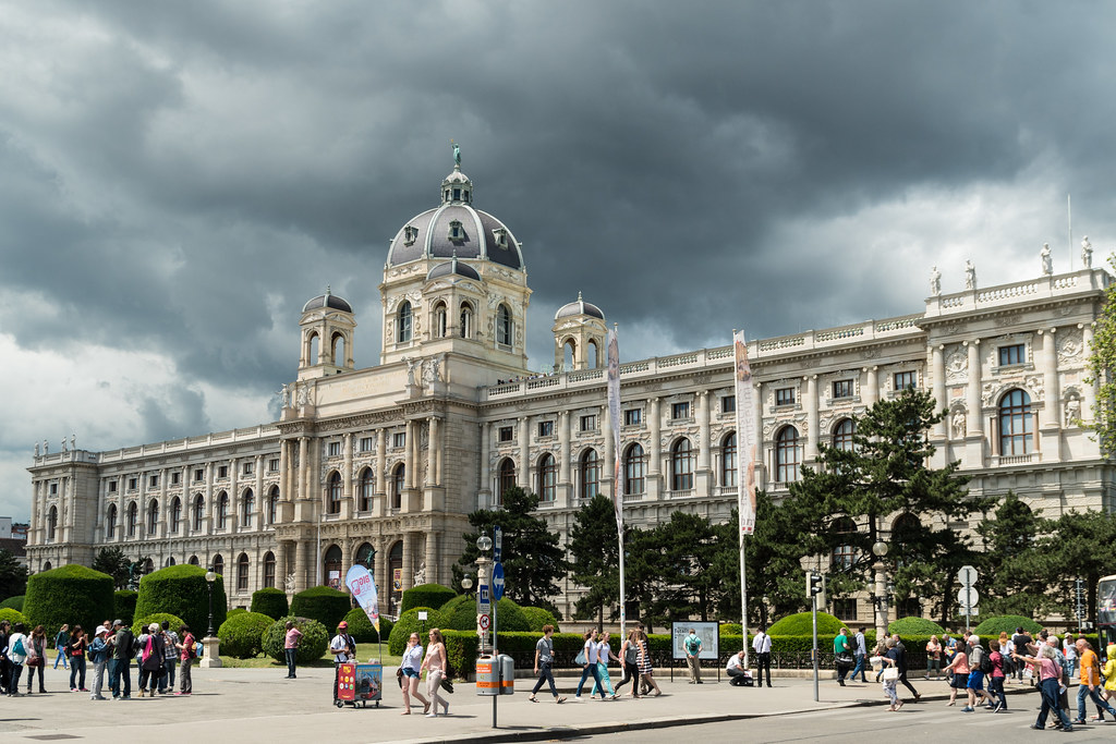 Museum of Natural History Vienna. The Museum of Natural History explores a wide range of topics that are interesting to both adults and children. Collections of animals, fossils, dinosaurs, as well as geological wonders such as precious and semi precious stones and mineral can all be found on display.