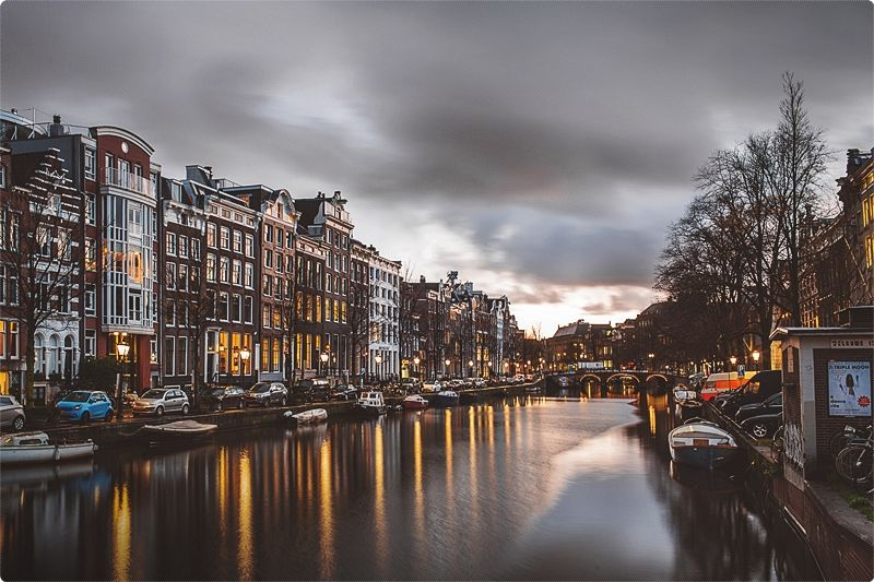 Amsterdam boasts one of the world's greatest zoos along with a Zoological Museum, Plant Houses, Planetarium, Aquarium, enough to make your weekend break stretch into a week.